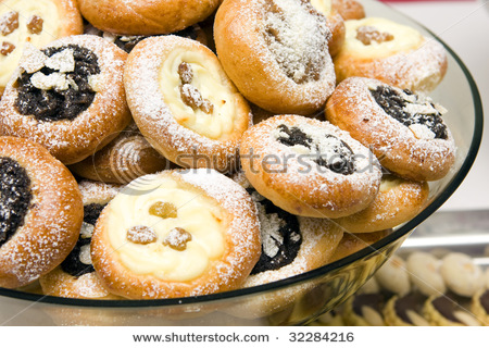 It is believed that the rise of Spanish matrimonial cookies is from the