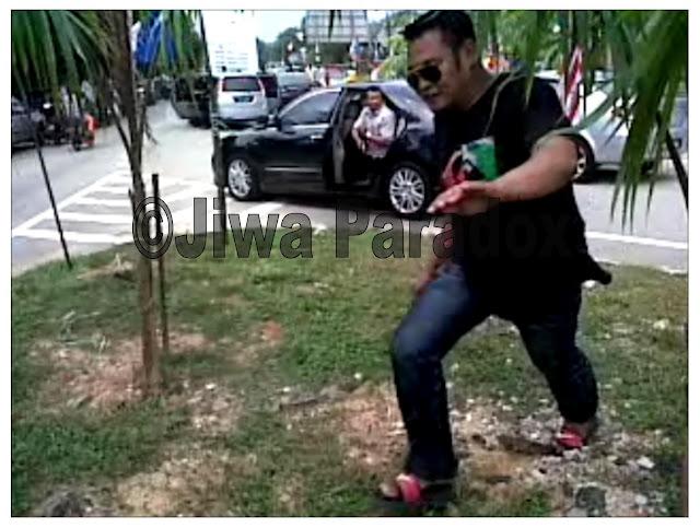 Gambar Dan Video Detik Orang Awam Diacu Pistol Oleh Pengawal Peribadi Anwar