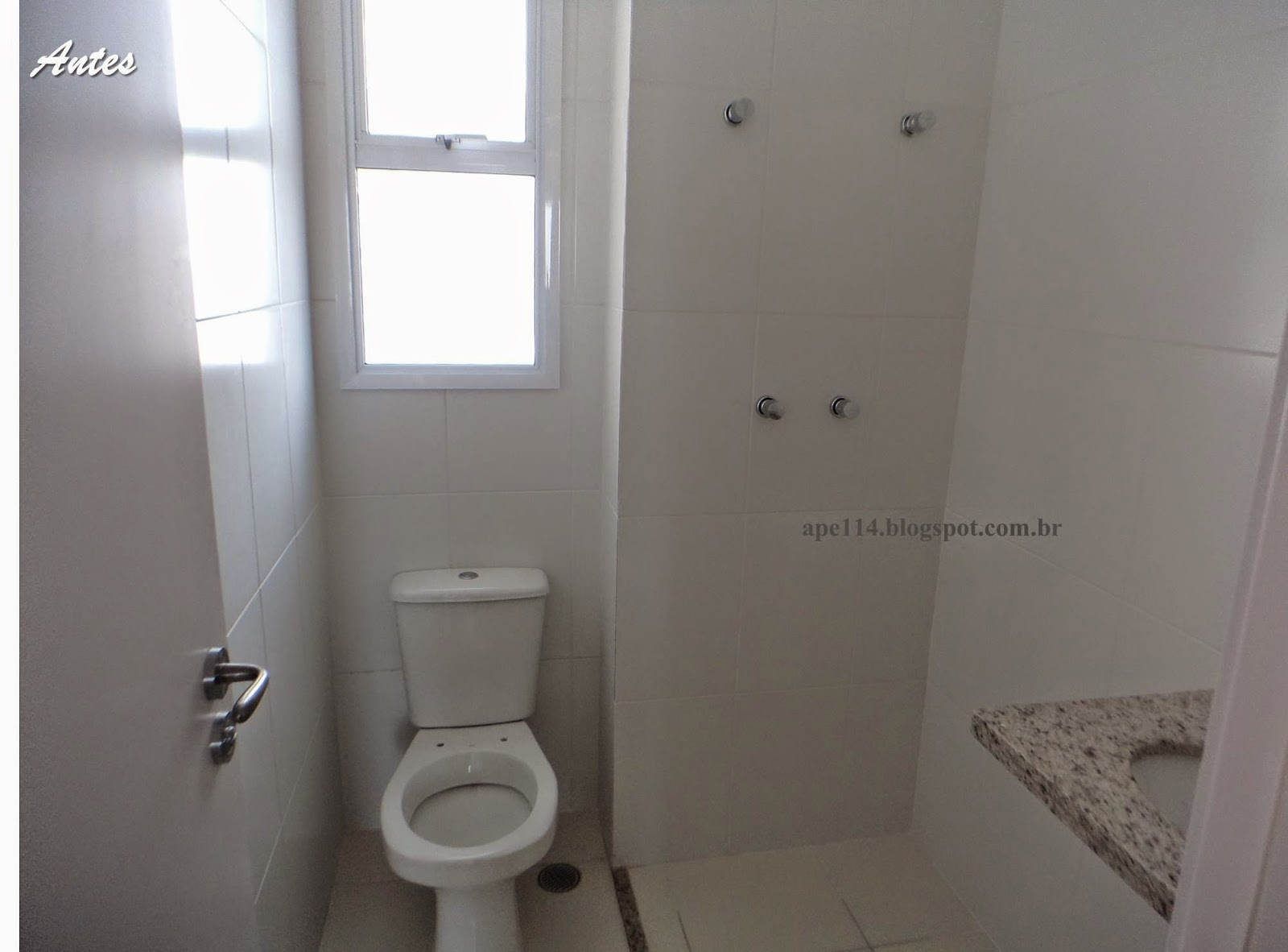 por fim uma fotinho de quando tudo começou rs #463F38 1600x1182 Banheiro Com Porcelanato Escorrega