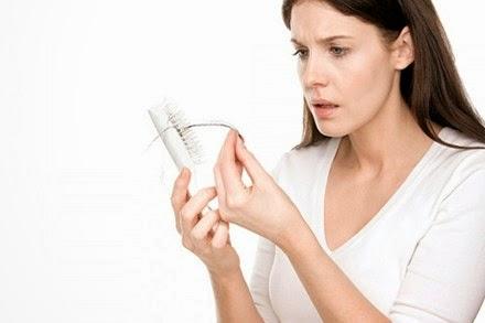 nguyên nhân và cách trị rụng tóc sau sinh
