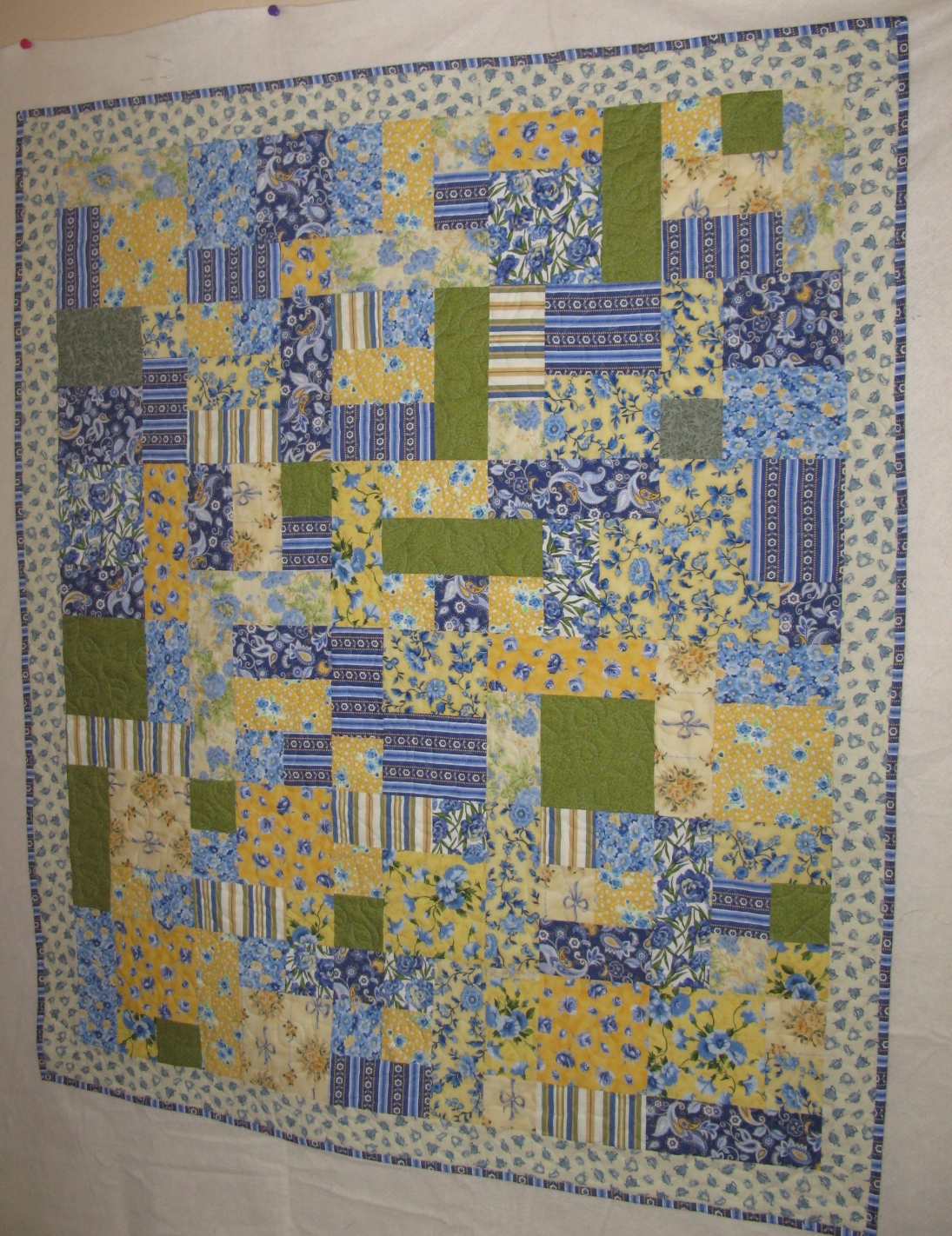 Life is like a patchwork quilt : blue and yellow quilt - Adamdwight.com