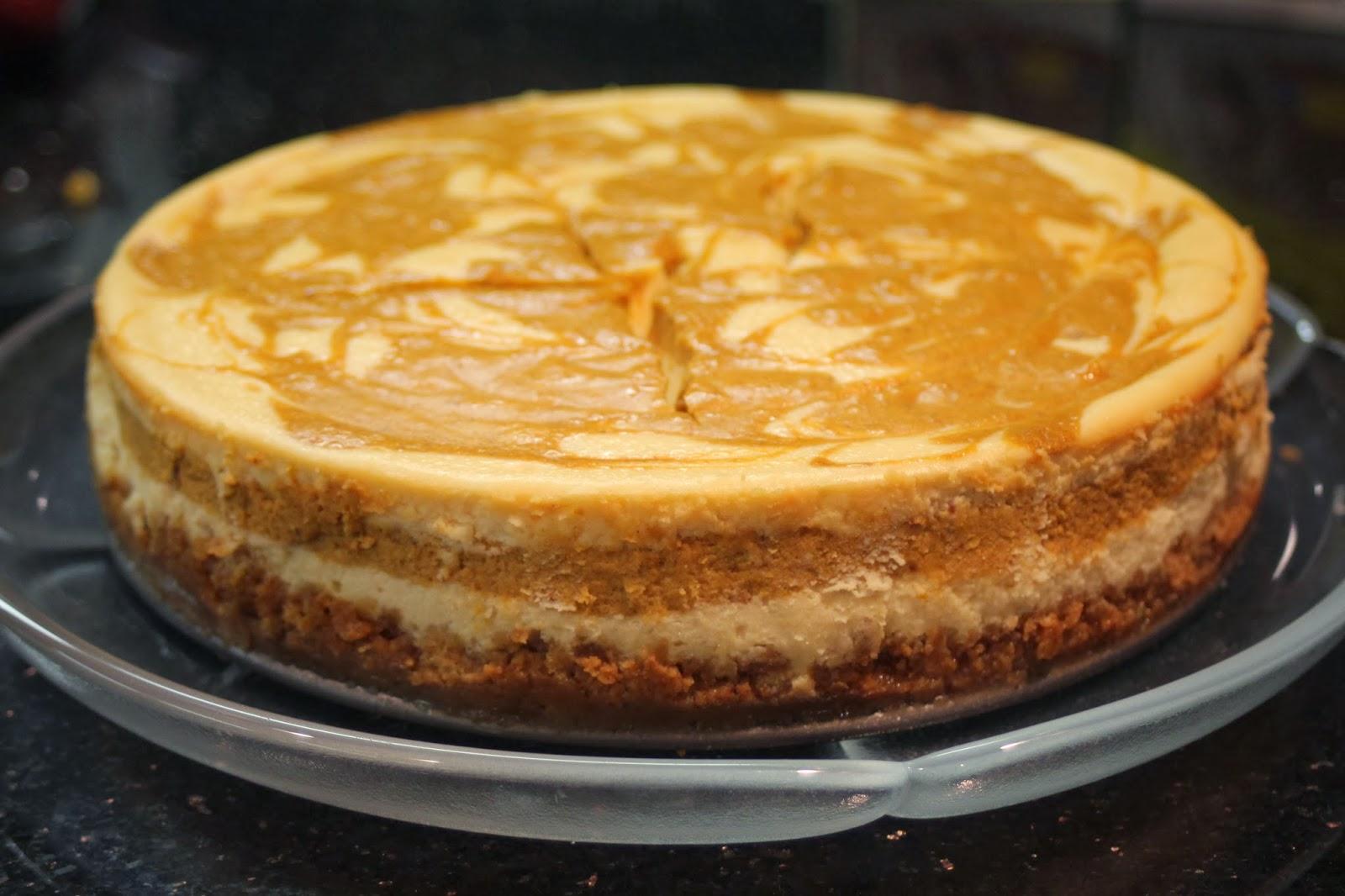 Julie Bakes: Spiced pumpkin swirl cheesecake
