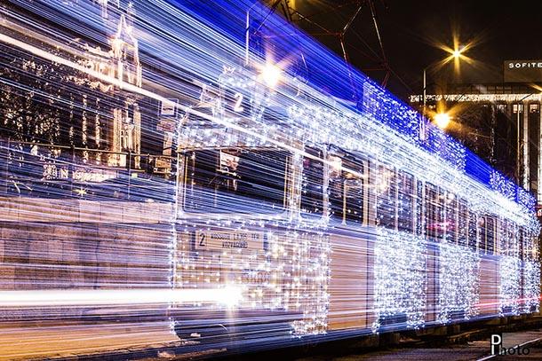 eléctrico com 30.000 Leds em Longa Exposição - Budapeste
