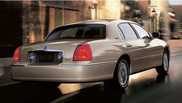 2011 lincoln town car review. Black Bedroom Furniture Sets. Home Design Ideas