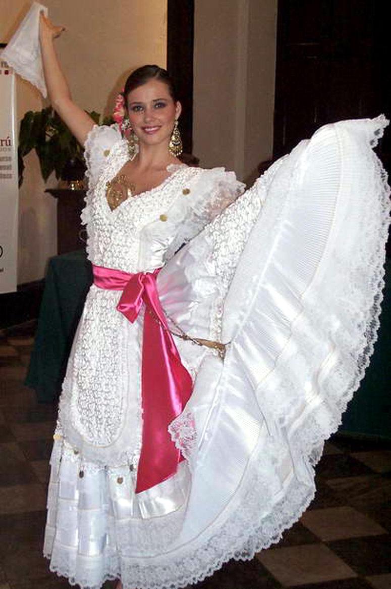TRAJES TIPICOS DEL PERU Traditional Peruvian Dresses