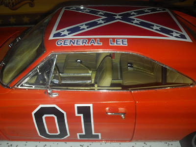 dukes of hazzard collector new 1 18 scale diecast general lee from auto world. Black Bedroom Furniture Sets. Home Design Ideas