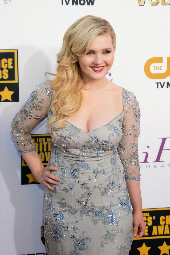 abigail breslin hot at critics choice movie awards 2014