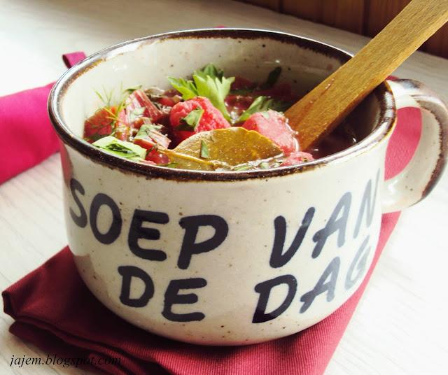Botwinka - zupa z młodych buraczków