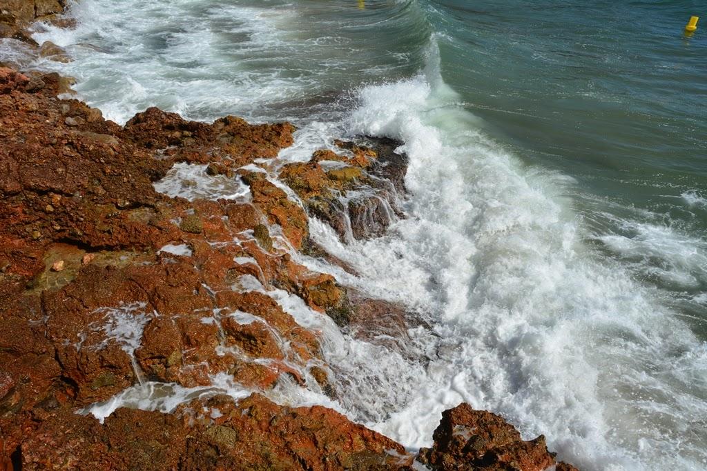 Salou Beach breaking water