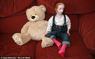 Charlotte Garside : la plus petite fille du monde (68cm)