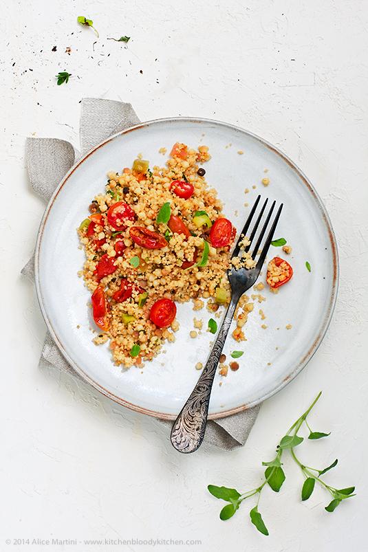 Insalata di pomodori, cuscus e fregola