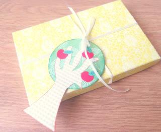 handmade apple tree gift tag