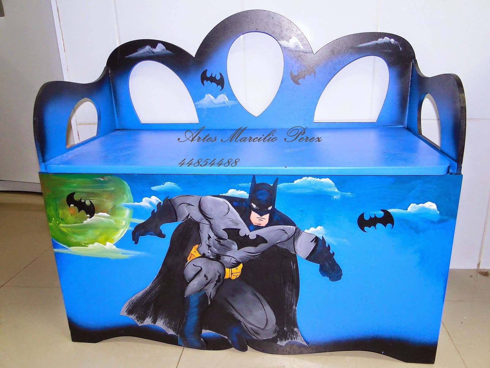 Bau banco Batman R$ 270,00