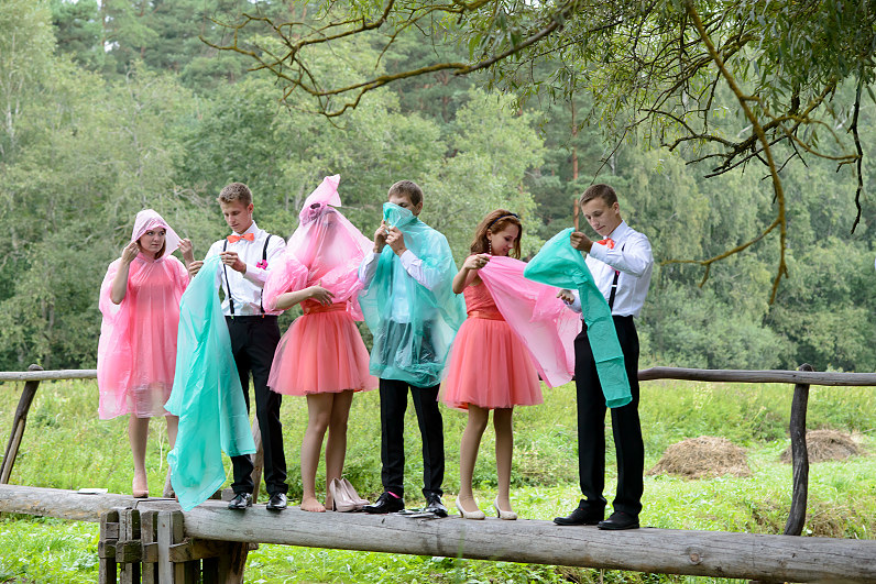 vestuvių fotosesija lyjant lietui