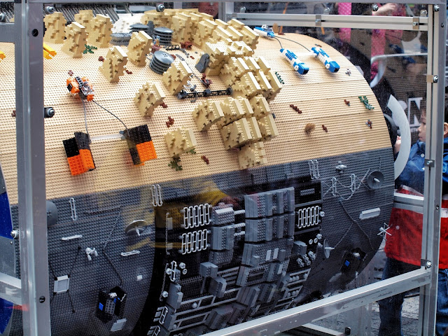 Lego #StarWars Barrel Organ, Times Square, new york city