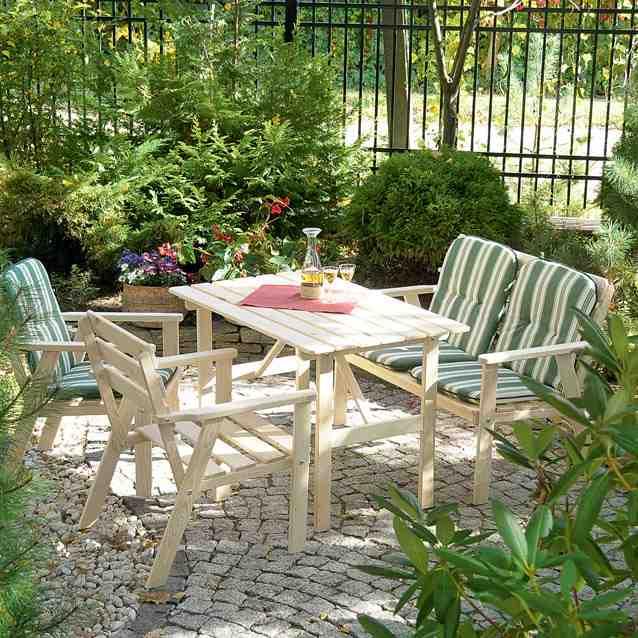 Drewniane meble ogrodowe, inspiracja aranżacji w ogrodzie