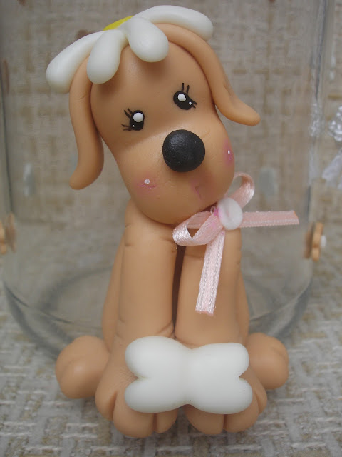 Vidro decorado em biscuit para ração, cachorrinho