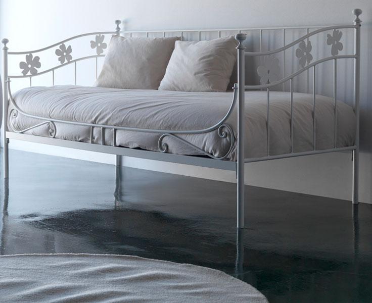 Muebles de forja camas div n en forja for Cama divan 90