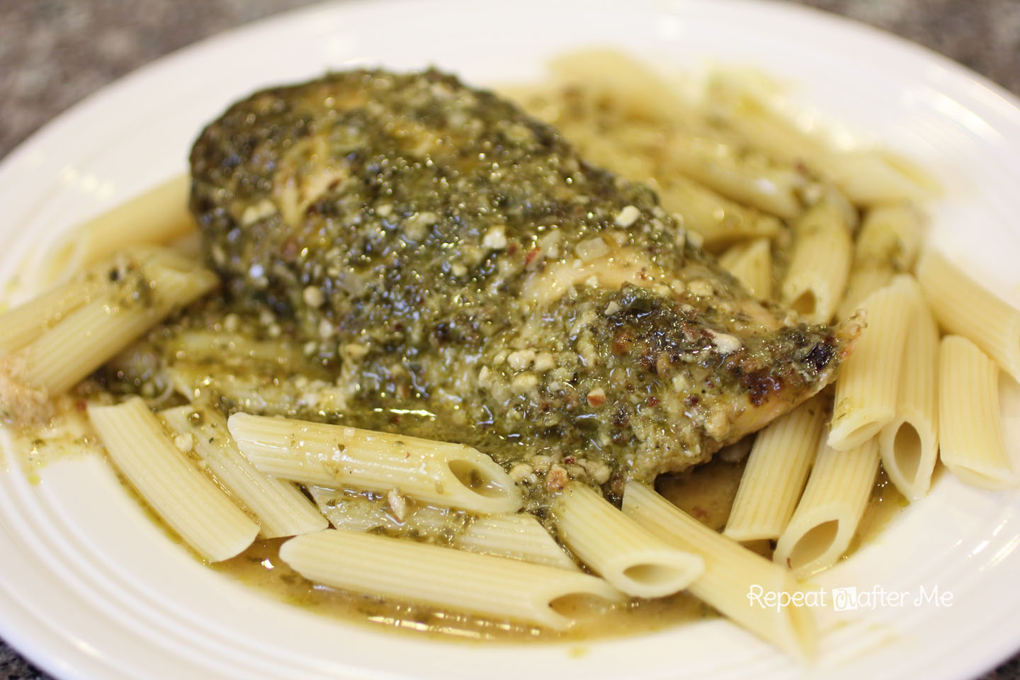 Repeat Crafter Me: Crock Pot Pesto Chicken