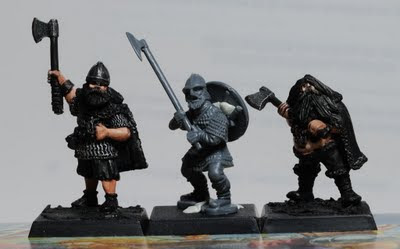 Figurines côte à côte