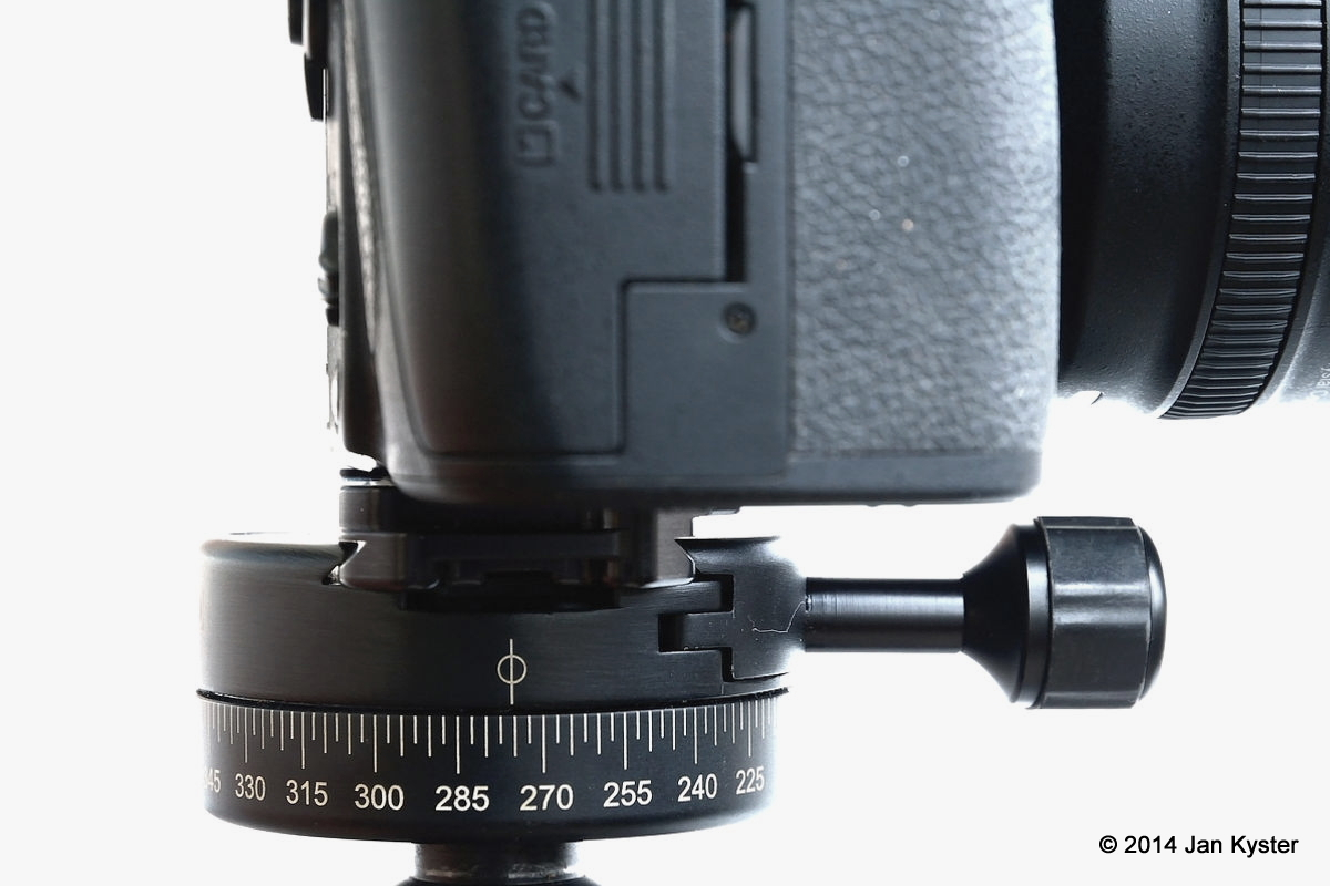 Nikon D800 w/ Hejnar ND800 MLB clamped right-side view