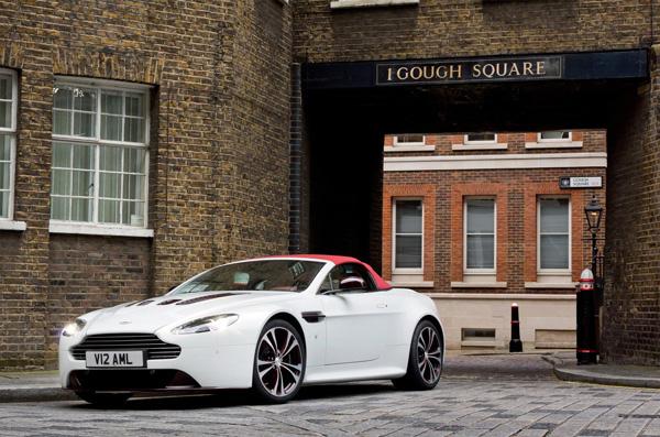 Aston Martin V12 Vantage Roadster 3