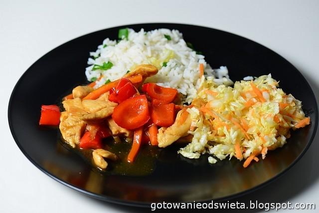 Kurczak z warzywami w stylu chińskim
