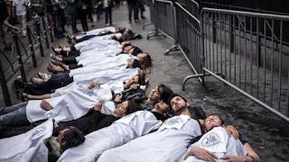 Franceses piden trato digno a inmigrantes
