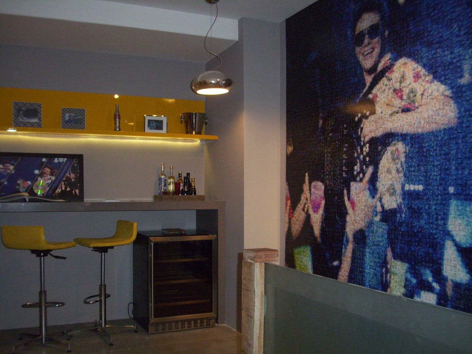 destaque para as portas articuladas [também laqueadas] amarelas #A0872B 1600x1200 Banheiro Com Pastilhas Amarelas
