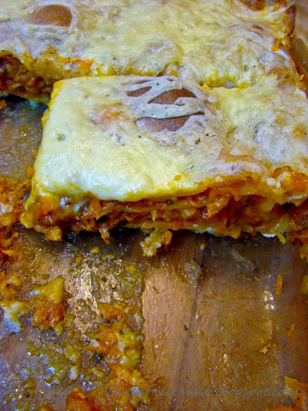 Jak zrobić warzywną lasagne z sosem bolońskim?