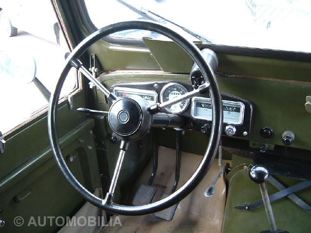 Romanian Car  Aro M461 inside look