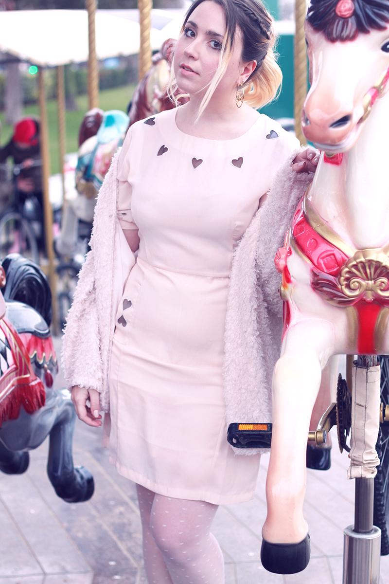 look pastel robe asos coeur carousel