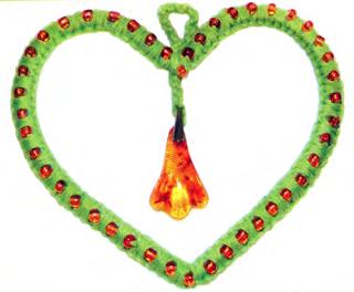 Как сплести подвеску в форме сердца с помощью макраме?