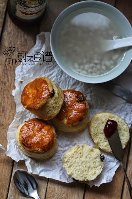 廚苑食譜: 優格芝士司康 (Yogurt Parmesan Cheese Scone)