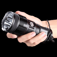 NITECORE Tiny Monster TM15 photo