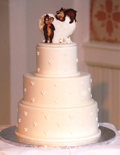 Disneyland Wedding Dreams Disney Wedding Cake Ideas Disneyland Weddings