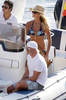 Elle MacPherson, Elle MacPherson BIKINI, Ibia find travel tour, Ibiza, Ibiza hostel, Ibiza hostel, Ibiza luxury travel, Ibizal hotel expensive, travel in ibiza, ibiza luxury hotel