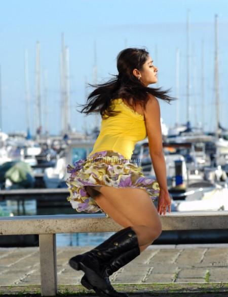 Ileana Dcruz Hot In Bikini Skirt Photos