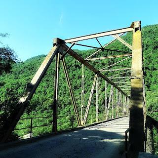 Ponte de Ferro dos Navegantes, em Nova Roma do Sul