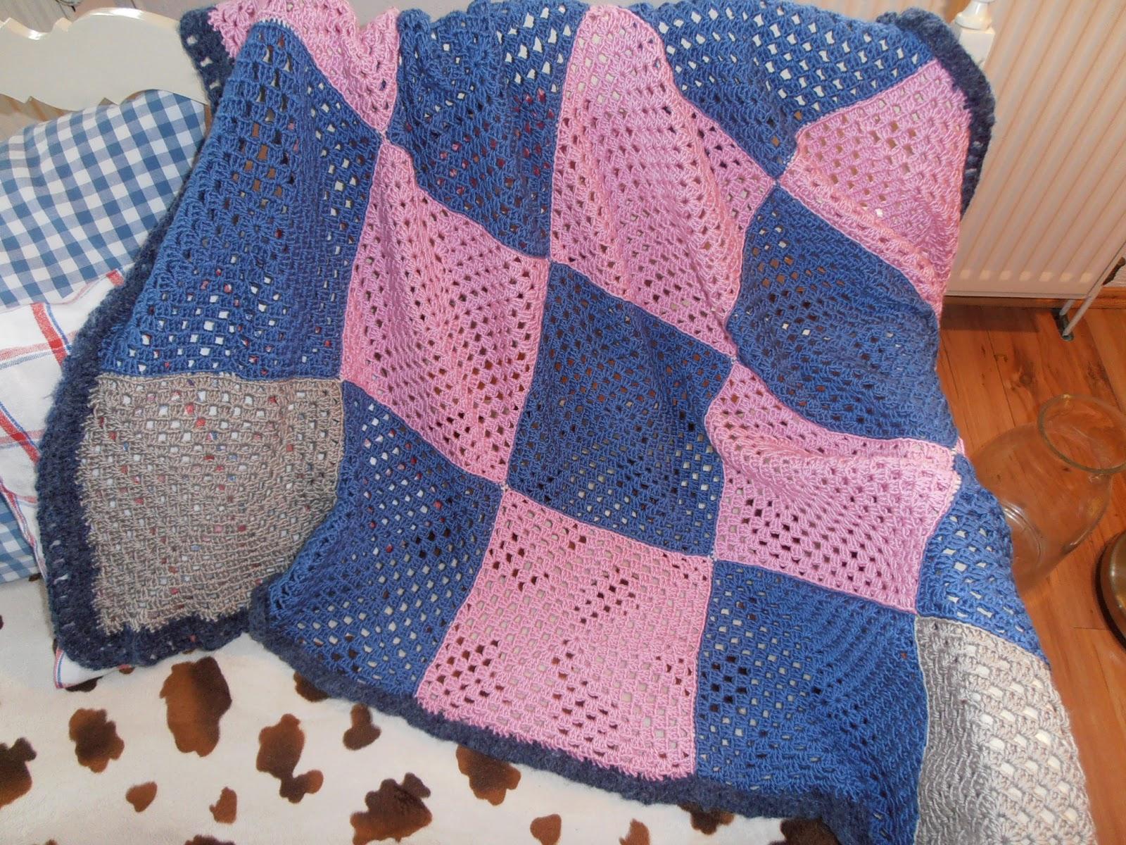 sweet home rosa lia decke plaid aus granny squares. Black Bedroom Furniture Sets. Home Design Ideas