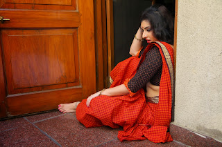 Actress Archana (Veda)  Pictures in Red Saree from Kamalatho Na Prayanam Movie  011.jpg