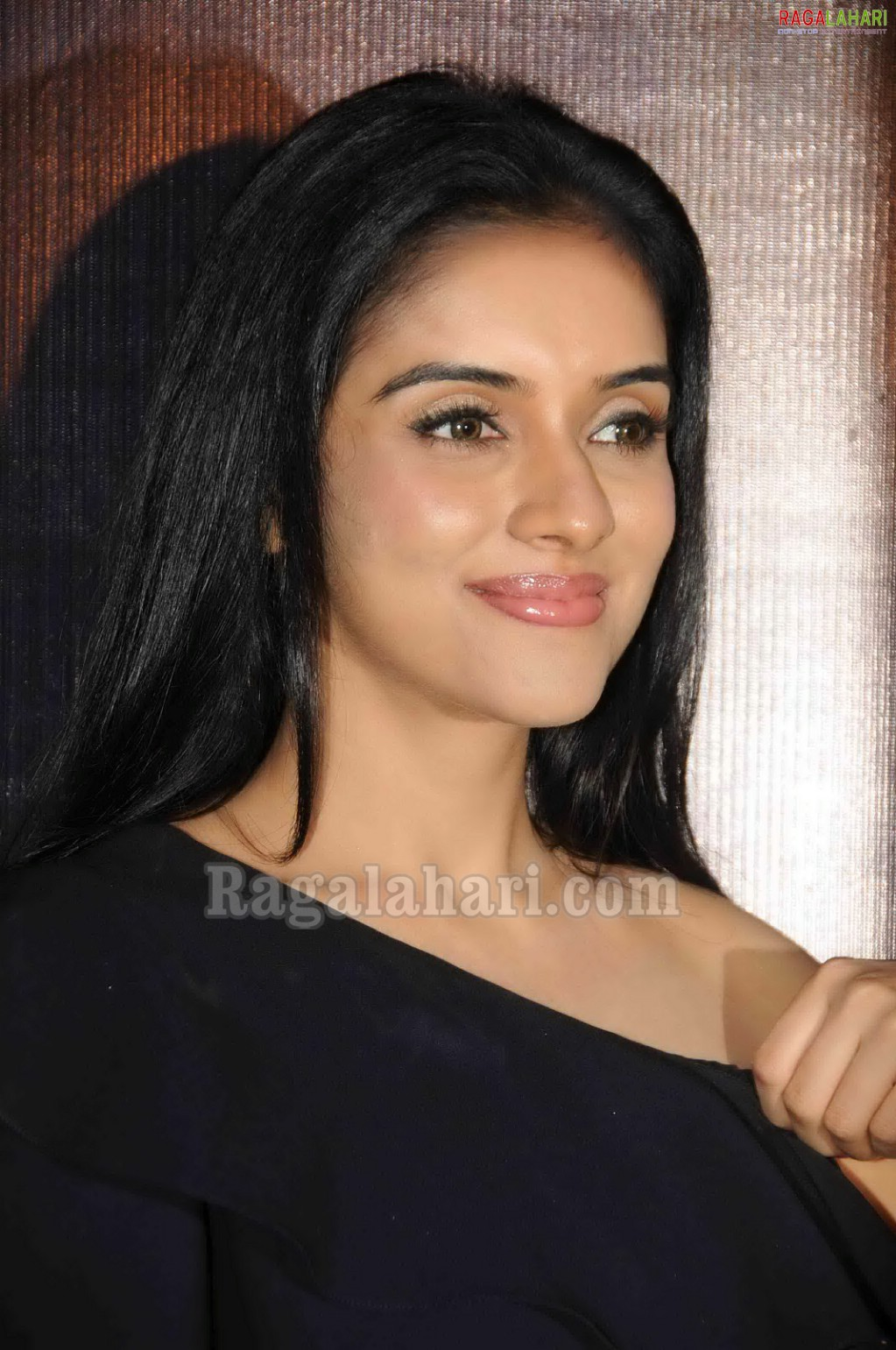 Asin Close Up Face Cute Sey Youngest Film Actress In South