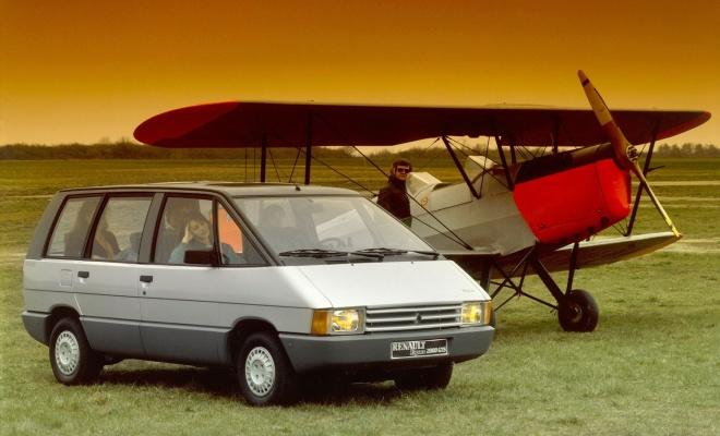 Mk I Renault Espace plus Tiger Moth biplane