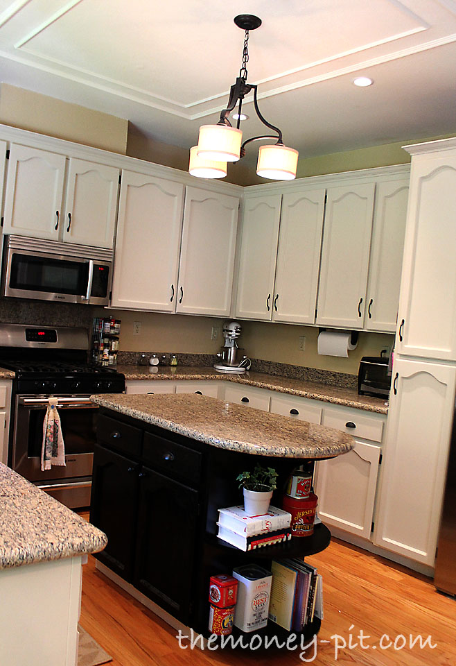 How to paint your kitchen cabinets without losing your for Kitchen cabinets repair