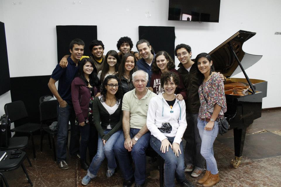 Dom nico lombardi director orquesta y pianista c tedra for Conservatorio simon bolivar blog