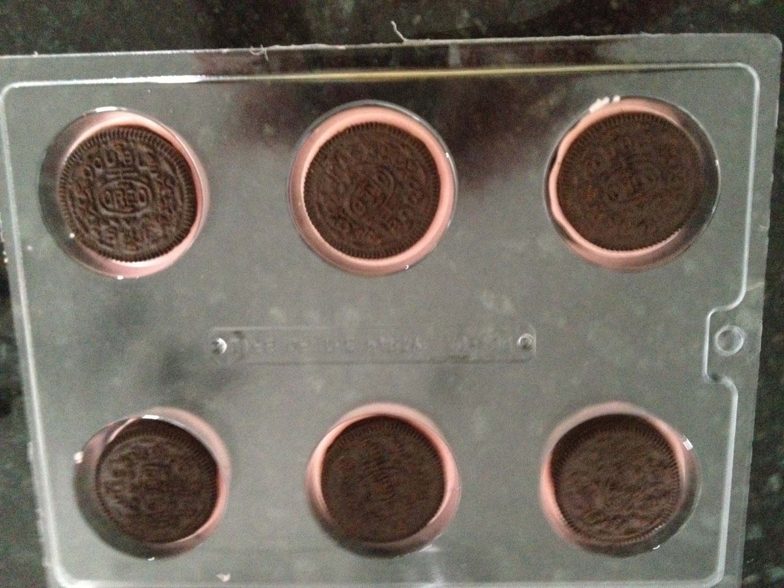 Maryland Pink and Green: Pink Chocolate Covered Oreos (and a ...