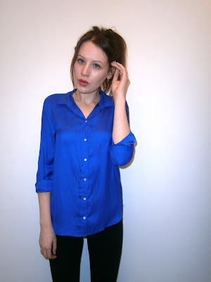 A large photo of me wearing H&M neon blue