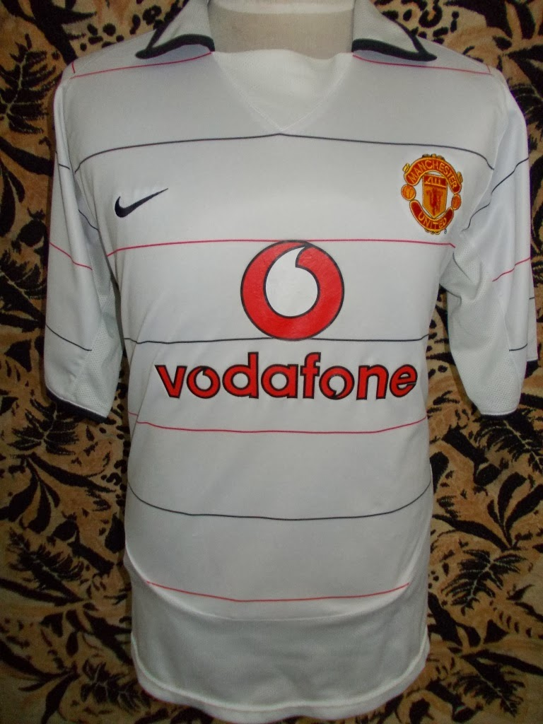 MANCHESTER UNITED THIRD 03-05 JERSEY-MADE IN U.K-RM 88.00