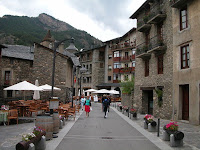"""Ordino06"" by lorentey - Flickr. Licensed under CC BY 2.0 via Wikimedia Commons - https://commons.wikimedia.org/wiki/File:Ordino06.jpg#/media/File:Ordino06.jpg"
