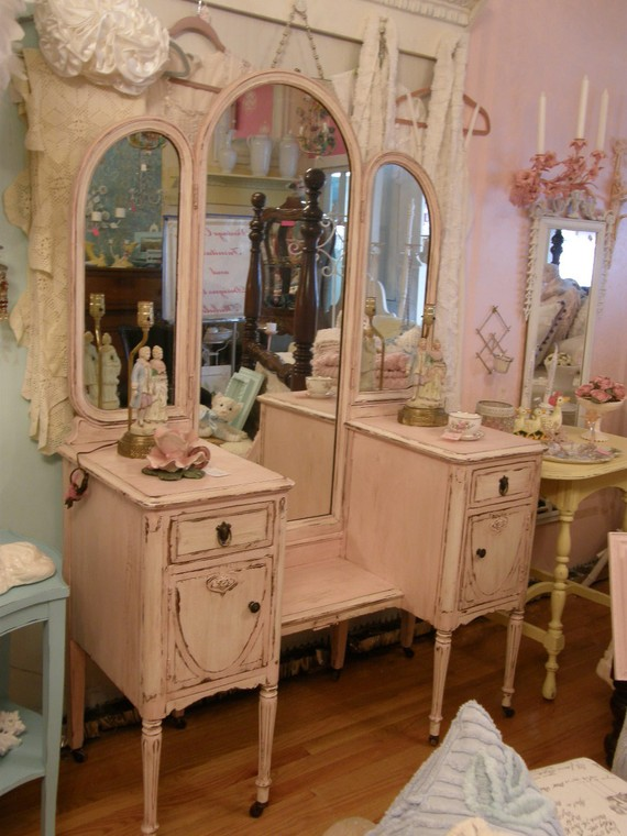 shabby chic furniture the flat decoration. Black Bedroom Furniture Sets. Home Design Ideas